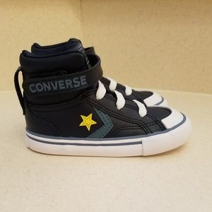 NWOT Boys toddler Coverse all star hi-tops